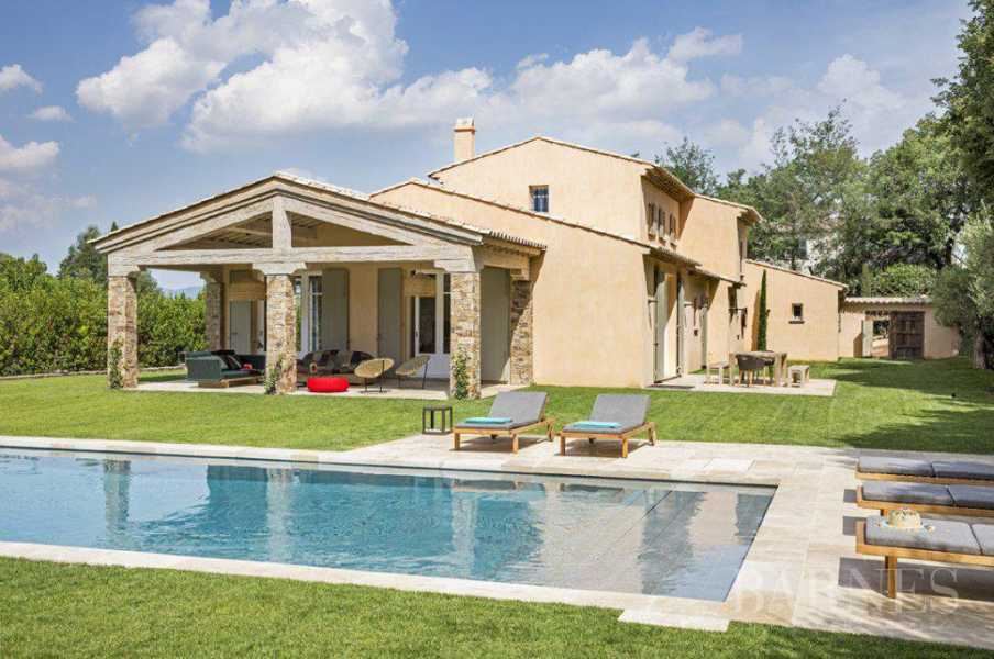 SAINT-TROPEZ - New house near the village picture 19