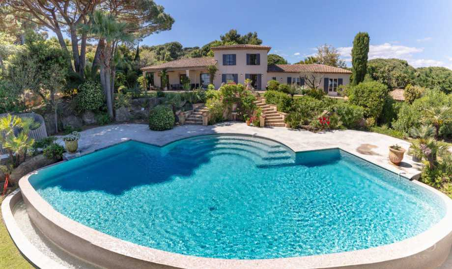 RAMATUELLE - Sea view - 6 bedrooms - Heated pool picture 19