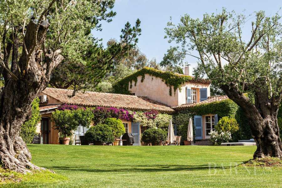 GASSIN - Magnifique villa de charme, au calme, à 5 minutes du village de Saint-Tropez picture 19