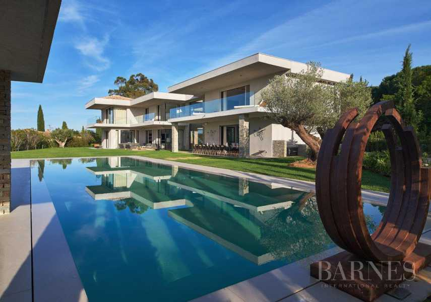SAINT-TROPEZ - Les Salins - Contemporary 8 bedrooms villa picture 19