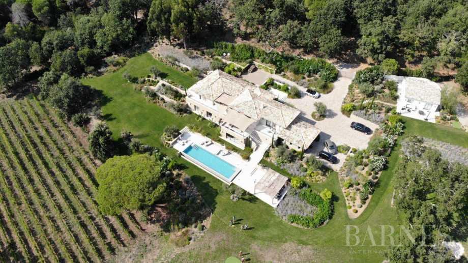 GASSIN - Villa 7 bedrooms - Infinity pool - Golf - Absolute calm and privacy picture 11