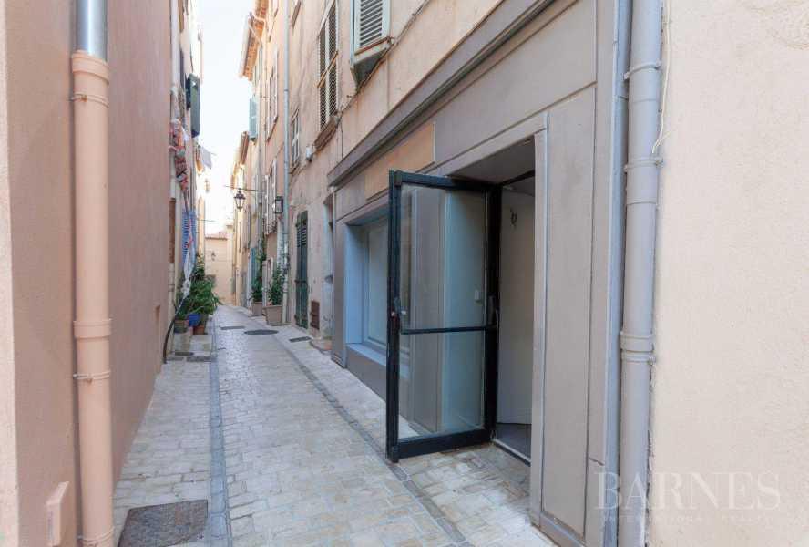 Saint-Tropez  - Premises