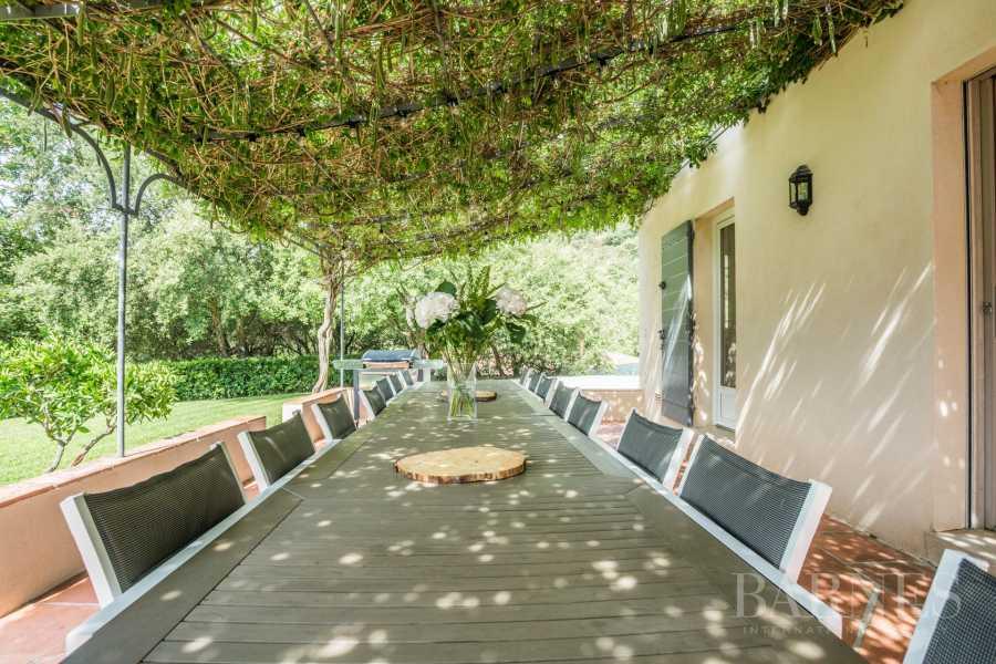Grimaud  - Maison 11 Pièces 8 Chambres