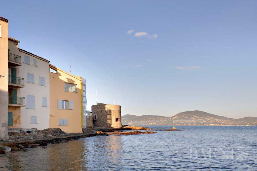 SAINT-TROPEZ - Village house with stunning sea view picture 14