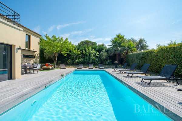 Villa Saint-Tropez  -  ref 2384329 (picture 2)