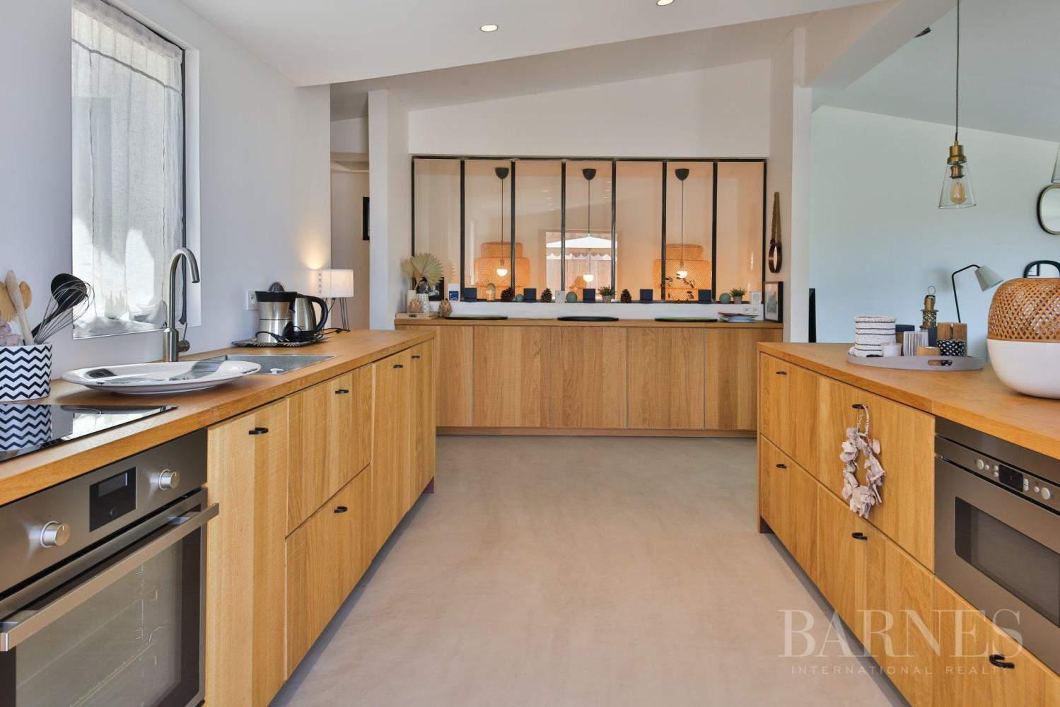 GRIMAUD - Villa moderne vue mer dans une résidence haut de gamme picture 8