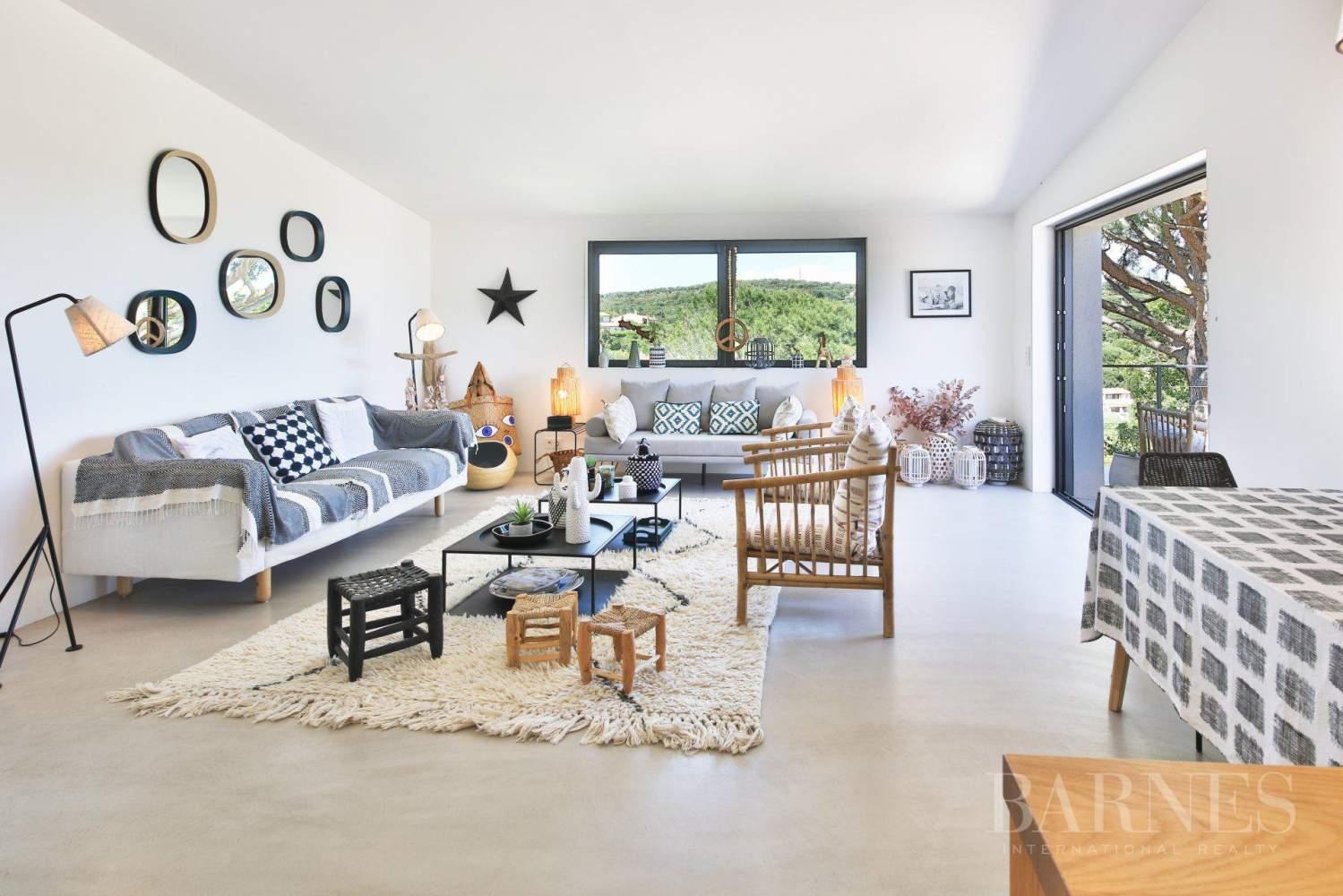 GRIMAUD - Villa moderne vue mer dans une résidence haut de gamme picture 5