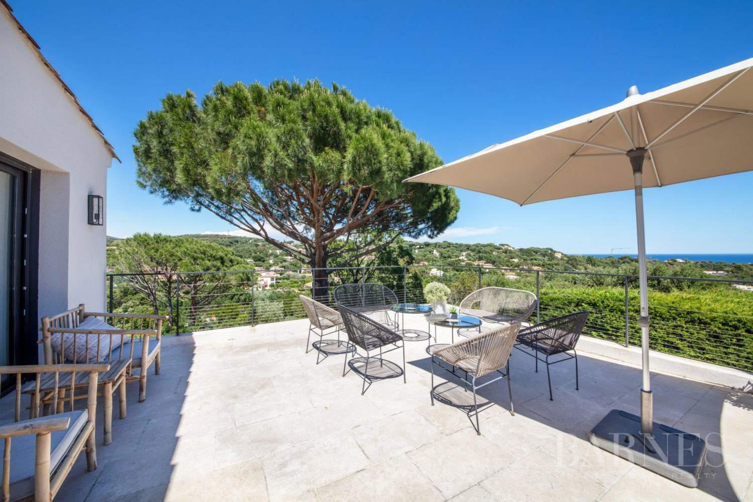 GRIMAUD - Villa moderne vue mer dans une résidence haut de gamme picture 9