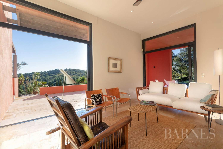 GOLFE DE SAINT-TROPEZ - GRIMAUD- Belle villa contemporaine vue mer picture 5