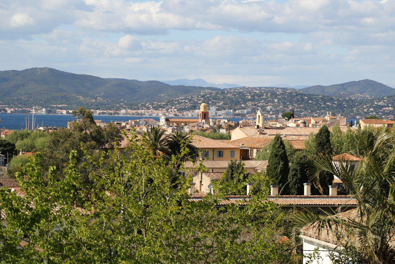 SAINT TROPEZ - Walking distance to the village, rare, calm, see view, luxurious service picture 3
