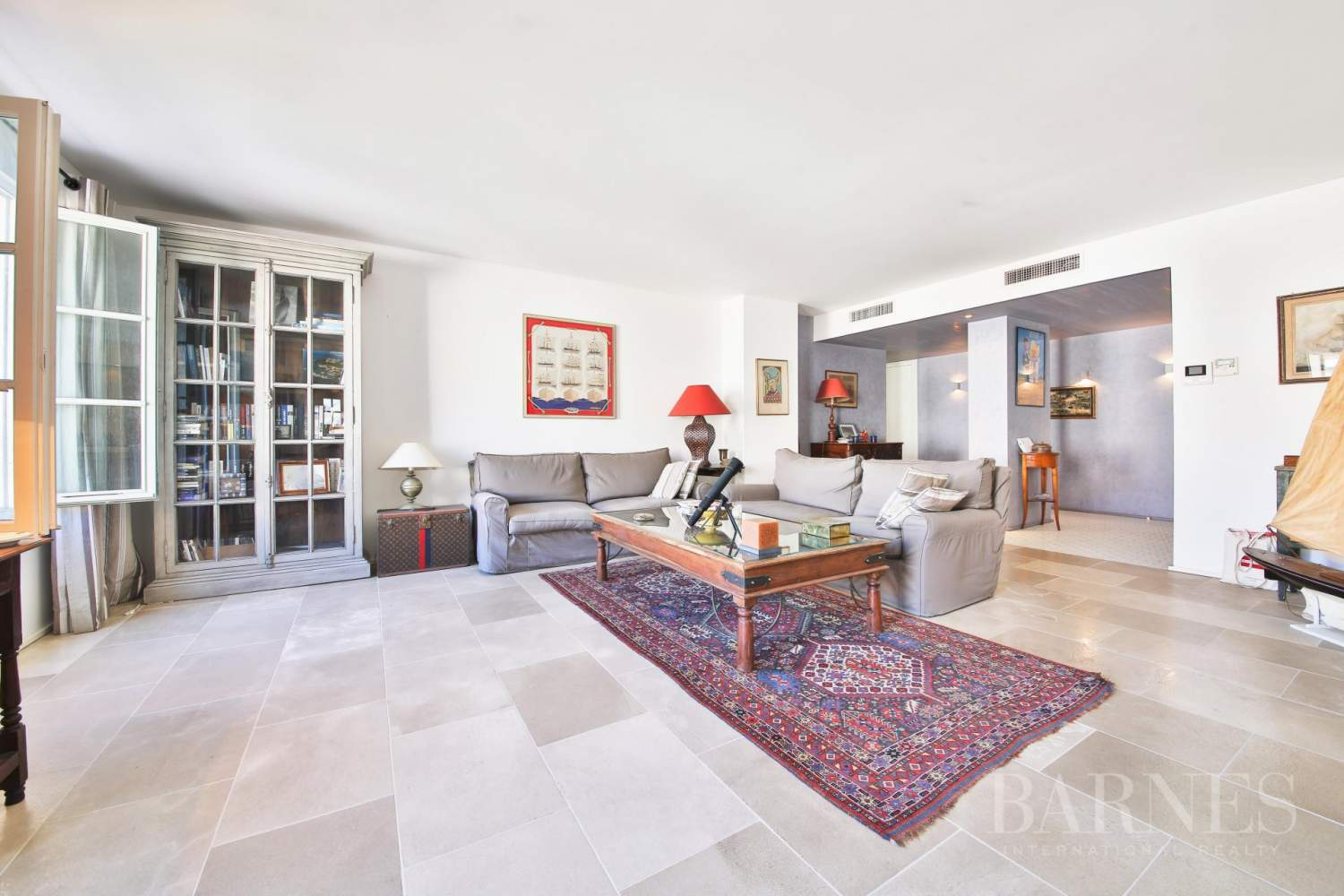 SAINT-TROPEZ - Modern apartment in the heart of village picture 2