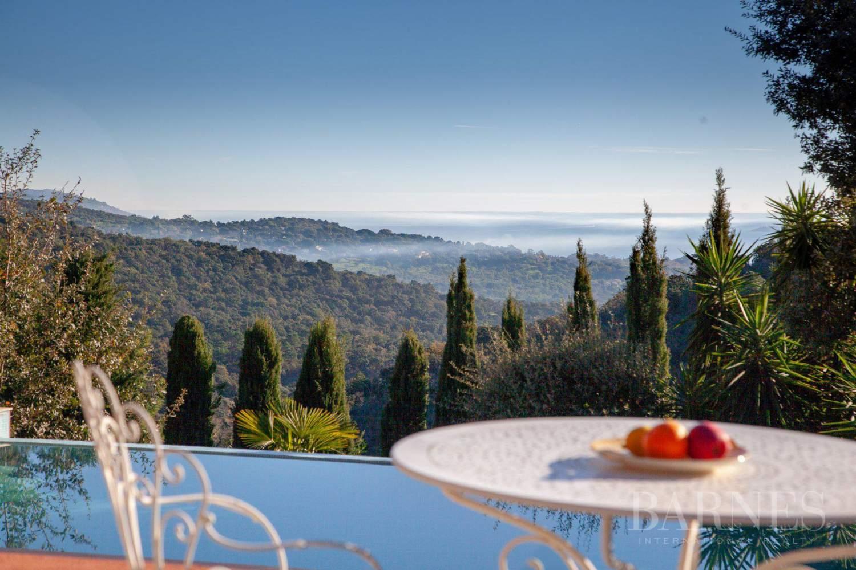 GOLFE DE SAINT-TROPEZ - GRIMAUD- Belle villa contemporaine vue mer picture 3