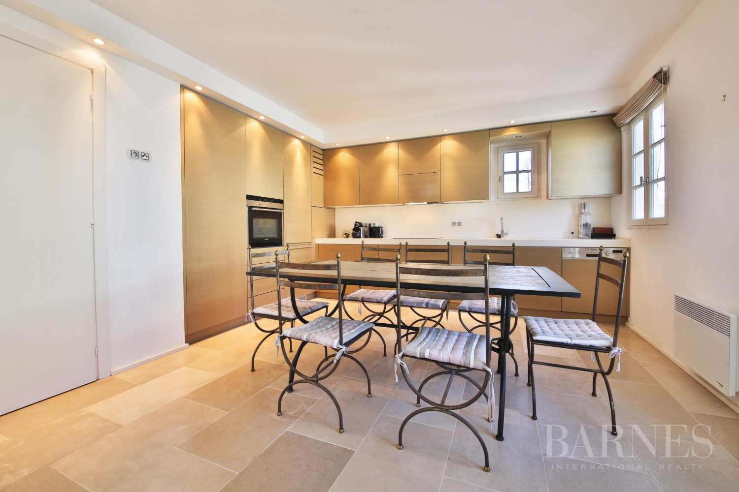 SAINT-TROPEZ - Modern apartment in the heart of village picture 3
