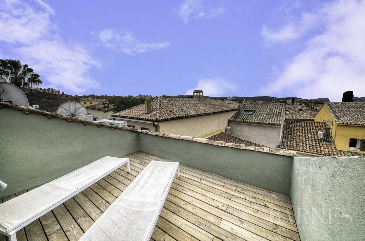 SAINT-TROPEZ - Place de la Garonne - Duplex en centre ville  avec terrasse tropézienne picture 4