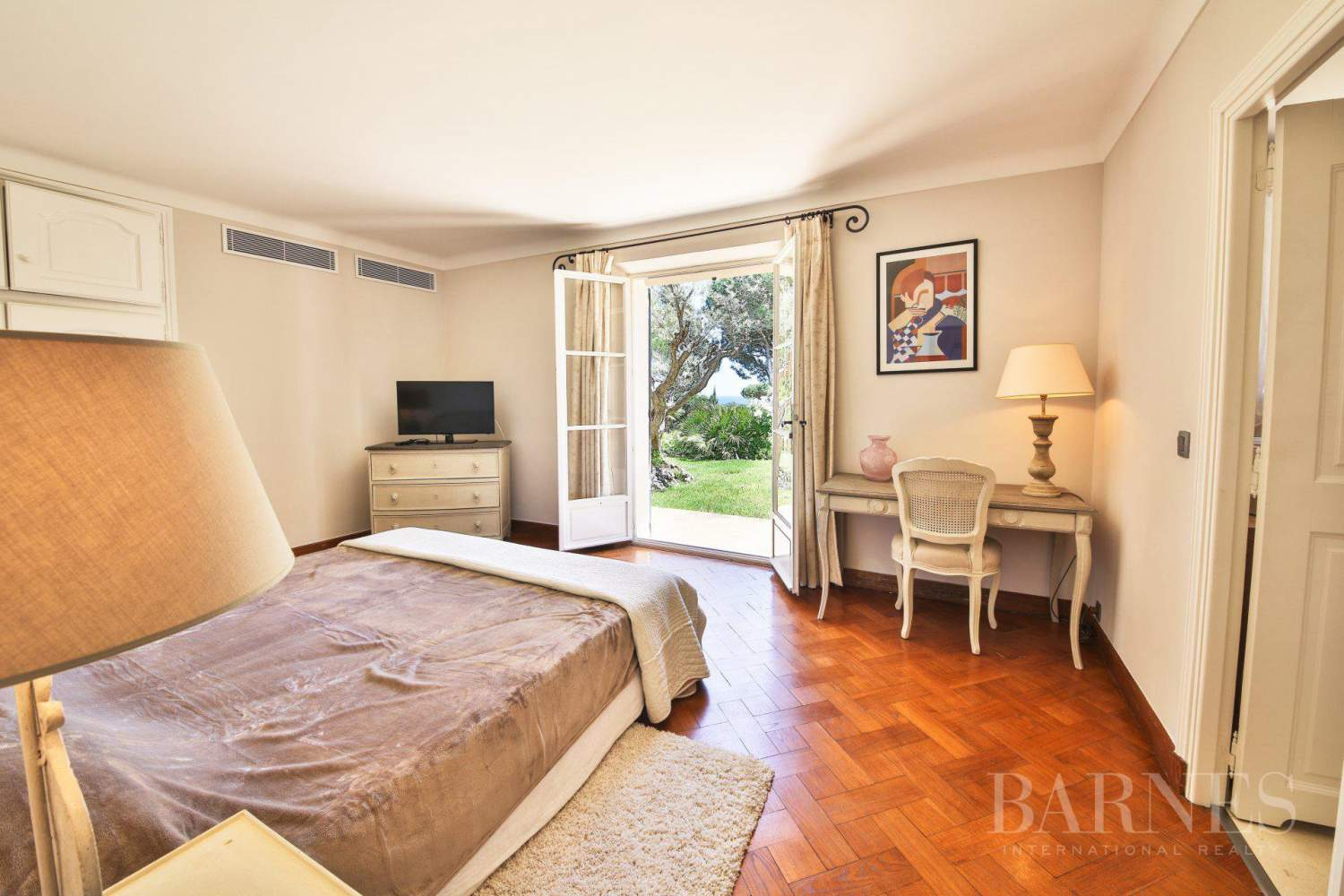 RAMATUELLE - Sea view - 6 bedrooms - Heated pool picture 18