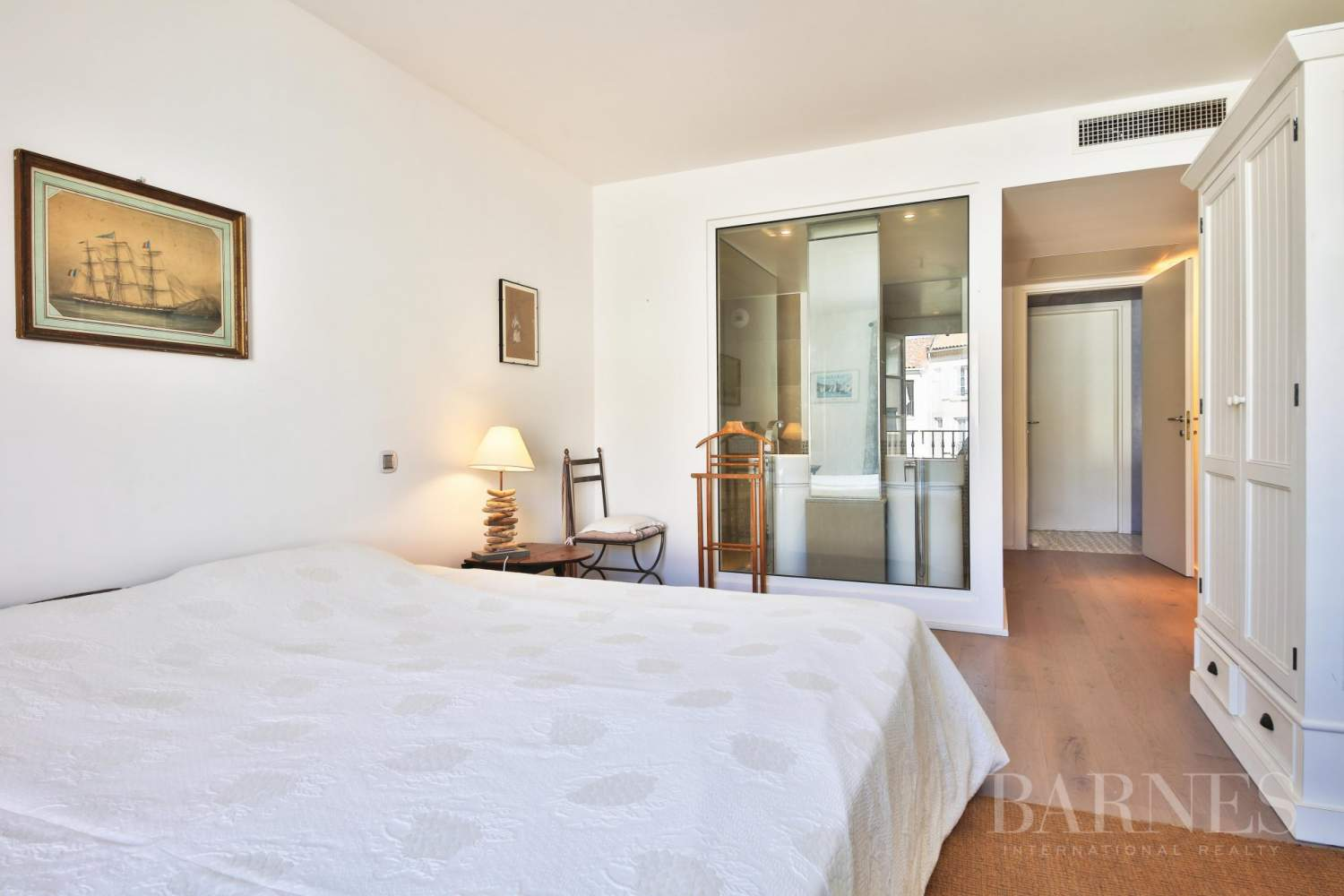 SAINT-TROPEZ - Modern apartment in the heart of village picture 6