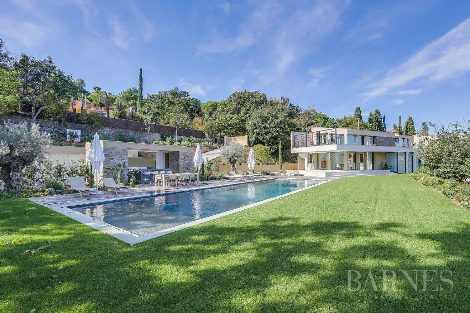 SAINT-TROPEZ -  Belle Villa contemporaine avec vue mer picture 2