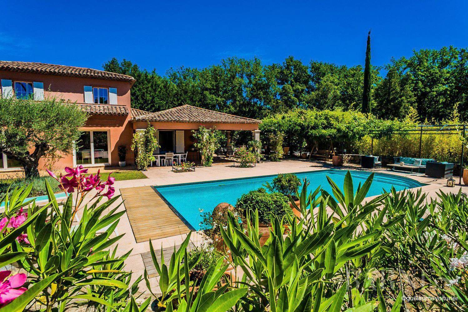 GASSIN - Provencal house with large flat land picture 1