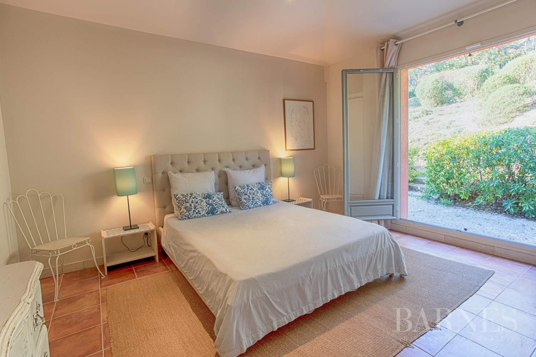 GOLFE DE SAINT-TROPEZ - GRIMAUD- Belle villa contemporaine vue mer picture 12
