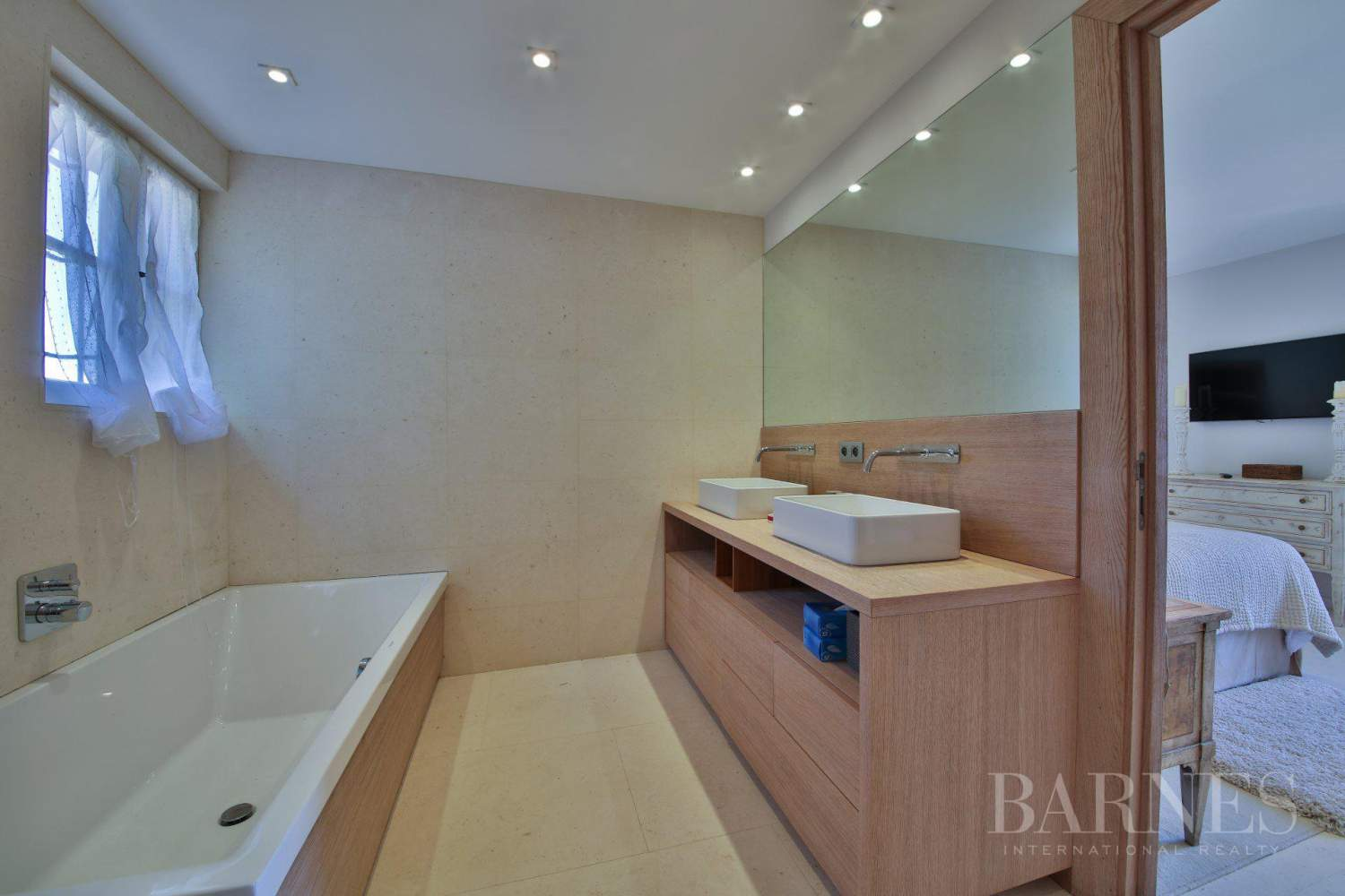 RAMATUELLE - Sea view - 6 bedrooms - Heated pool picture 14