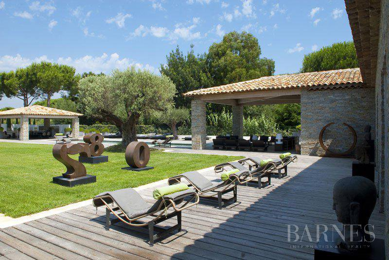 SAINT-TROPEZ - Amazing family property close to the beach picture 1