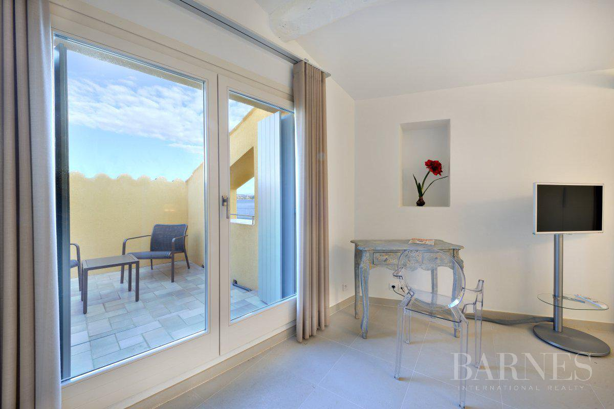 SAINT-TROPEZ DOWNTOWN - 3 BEDROOM TRIPLEX - SEA VIEW picture 10