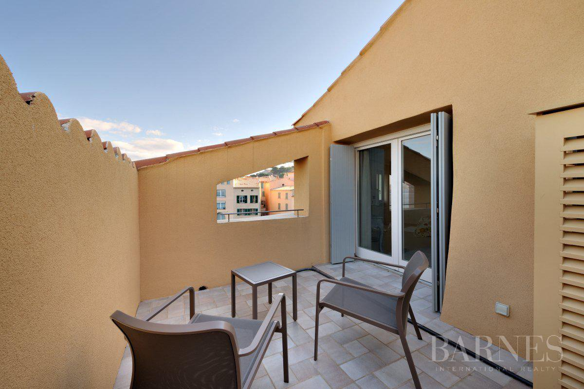 SAINT-TROPEZ DOWNTOWN - 3 BEDROOM TRIPLEX - SEA VIEW picture 1