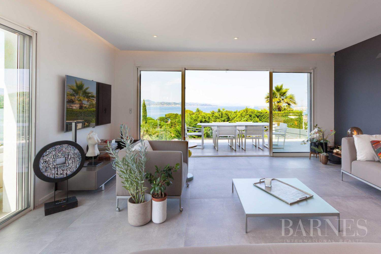 GASSIN - Contemporary house near Saint-Tropez, sea view picture 9