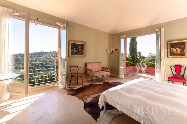 GOLFE DE SAINT-TROPEZ - GRIMAUD- Belle villa contemporaine vue mer picture 8