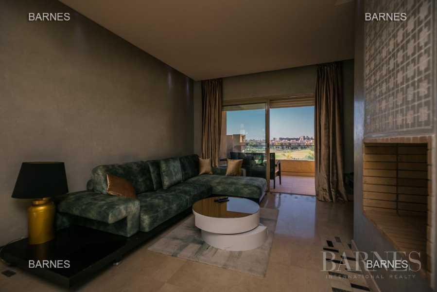 appartement de préstige avec une térrasse de deux chmabres front de golf picture 8