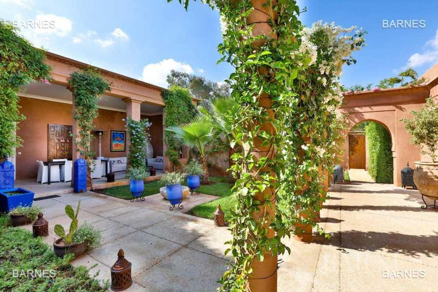 Superbe Villa meublée avec gout signée Charles Boccara dans une résidence sécurisée picture 19
