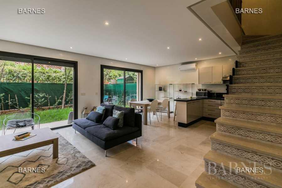 superbe appartement en duplex avec piscine dans la résidence et jardin privé picture 13