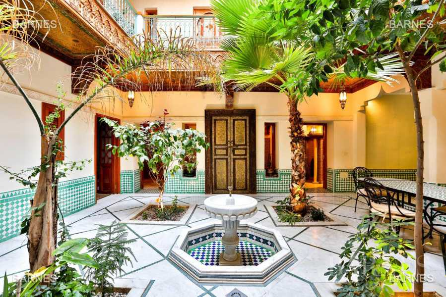 Riad , 6 suites, 6 baths, living room, fireplace , dining room , large pool , jacuzzi , patio, terrace, elevator. picture 11