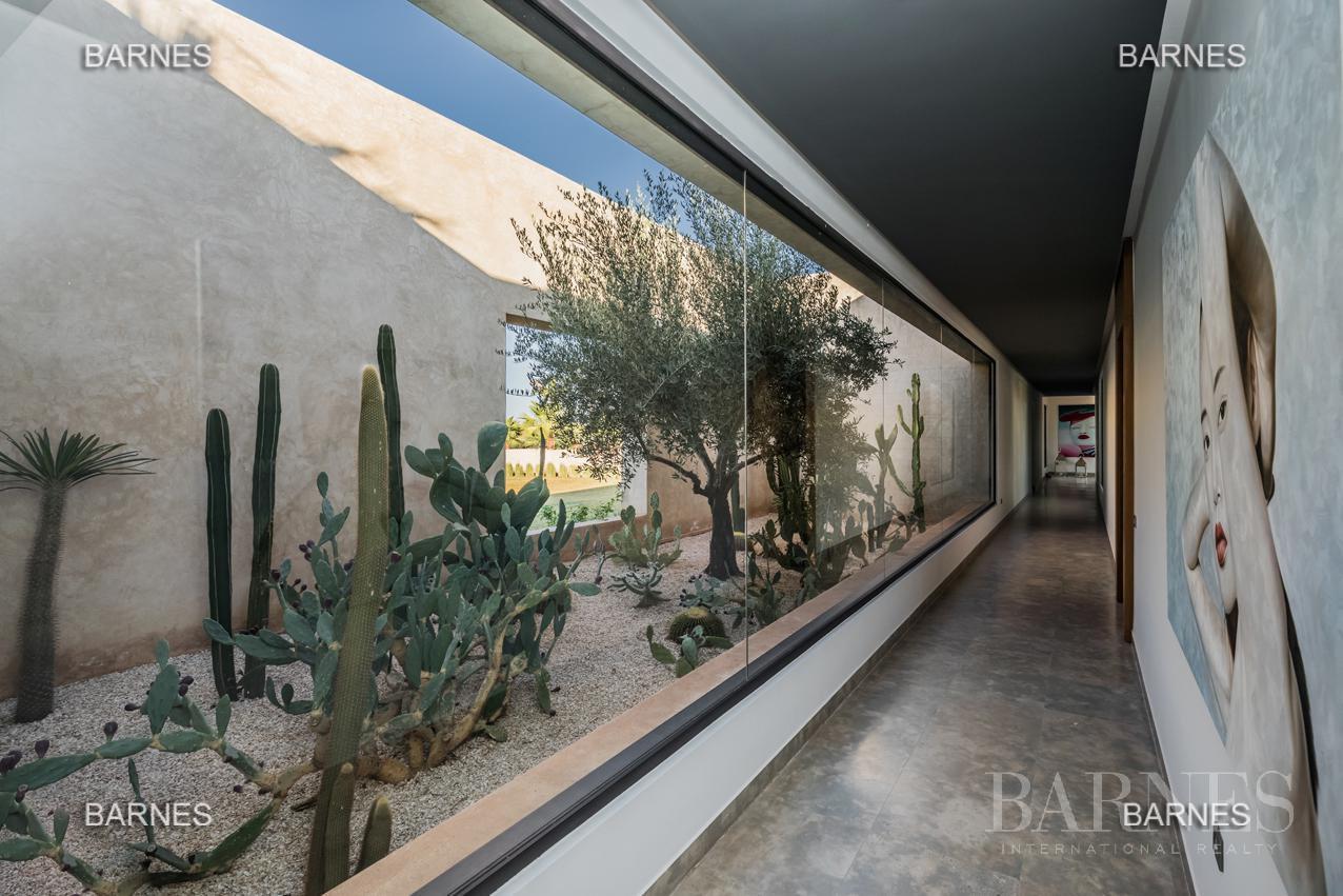 somptueuse villa contemporaine sur un parc de 3 hectares à 30 min de Marrakech picture 13