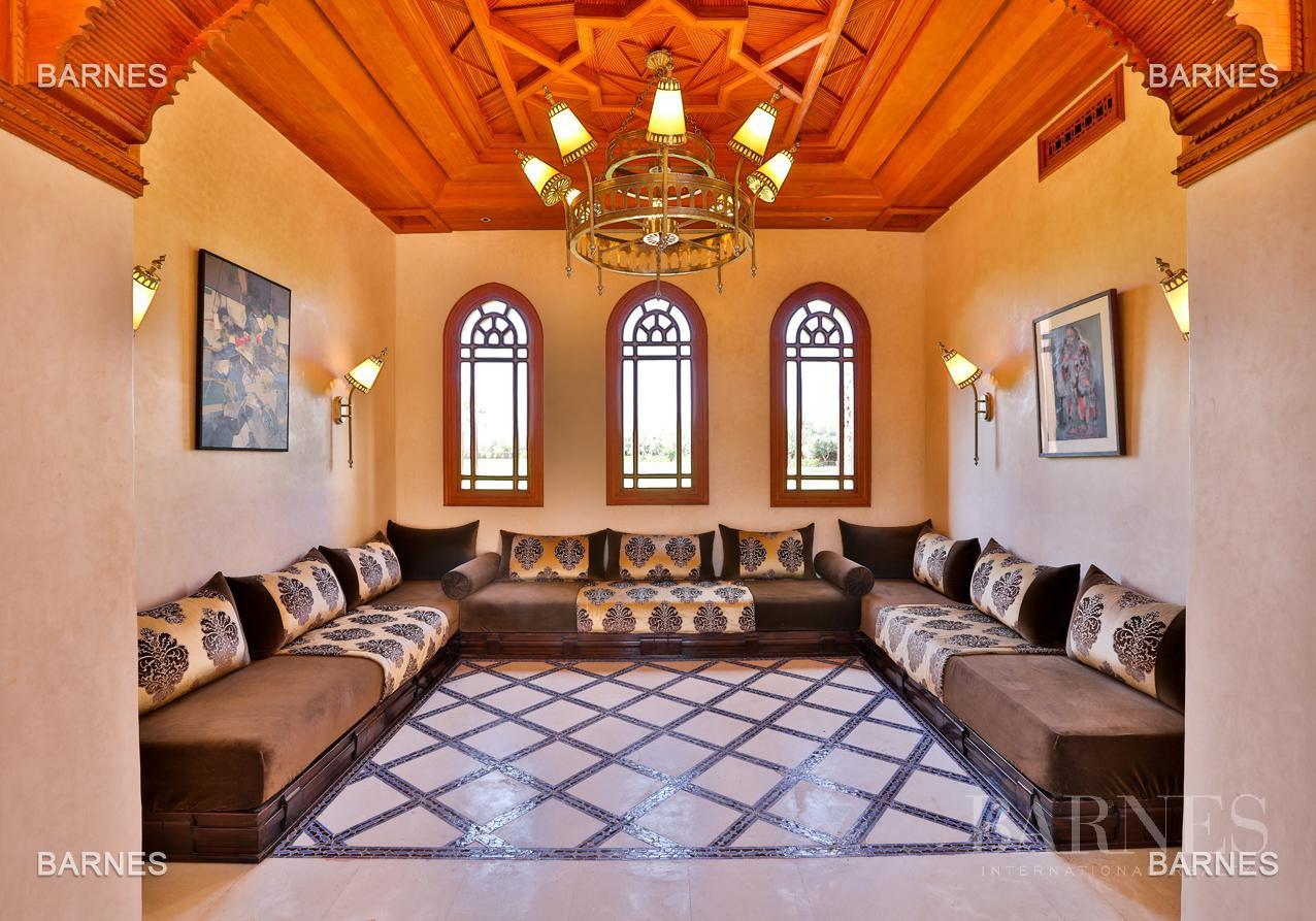 Moroccan architecture Villa in a private domain of 6 villas picture 4