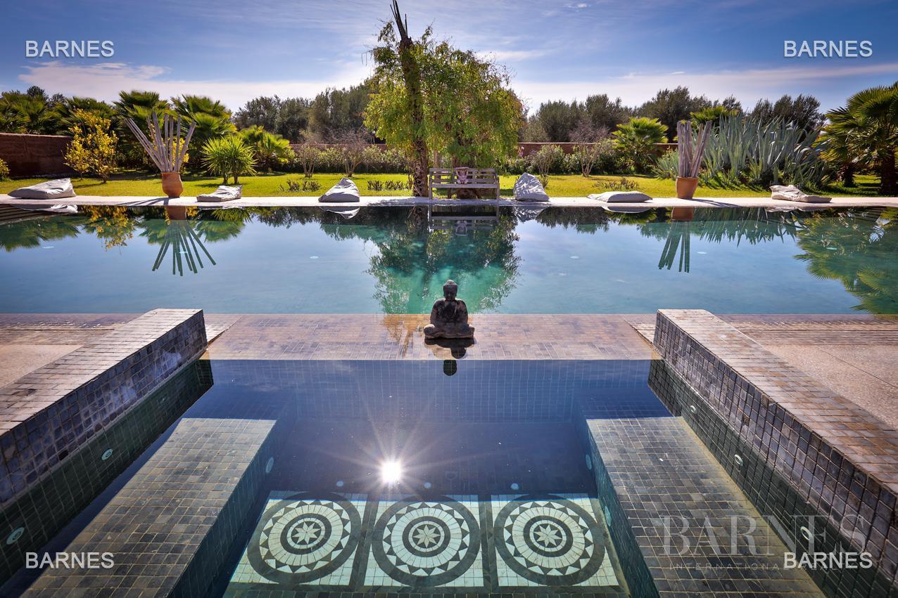 Luxueuse villa contemporaine situé à 15minutes du centre ville en direction de Fès. picture 16
