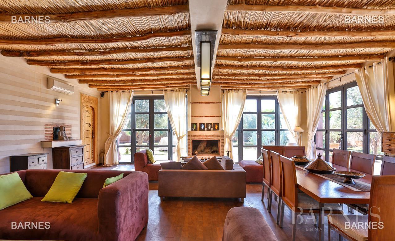 Luxueuse villa contemporaine situé à 15minutes du centre ville en direction de Fès. picture 10