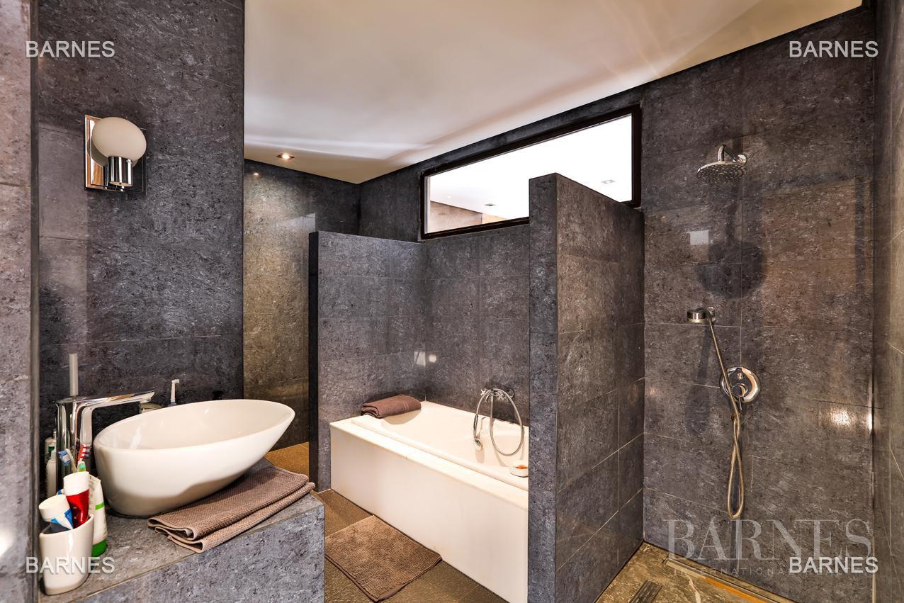 Très belle villa de style contemporaine sur un terrain de 1.000 m² picture 7