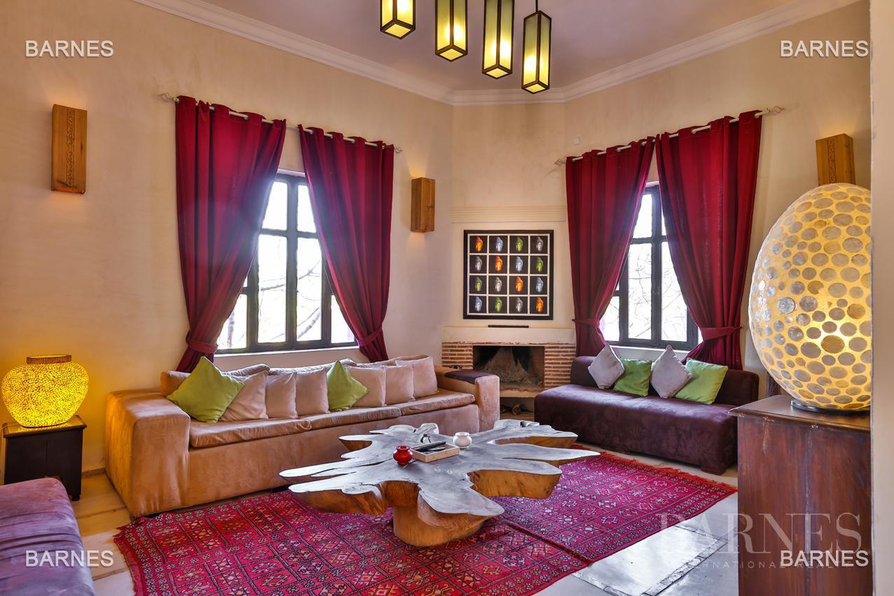 Luxueuse villa contemporaine situé à 15minutes du centre ville en direction de Fès. picture 17