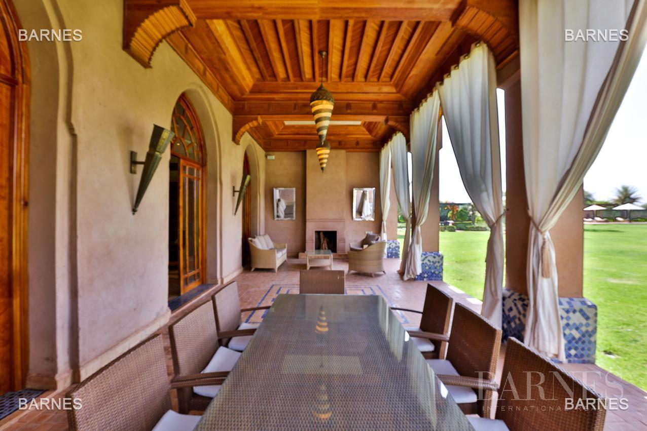 Moroccan architecture Villa in a private domain of 6 villas picture 2