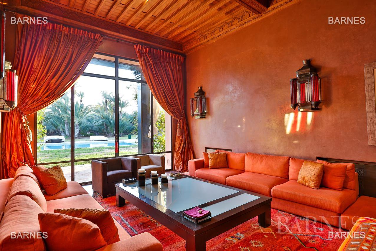 great inspiration Moroccan and European comfort property , nestled in a beautiful 1 hectare to 10 minutes from downtown Park. picture 7