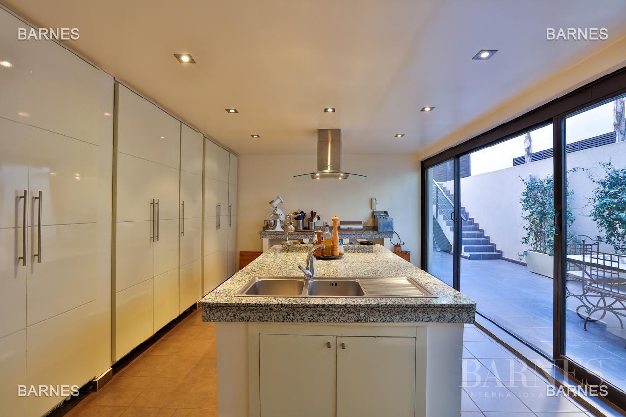Très belle villa de style contemporaine sur un terrain de 1.000 m² picture 16