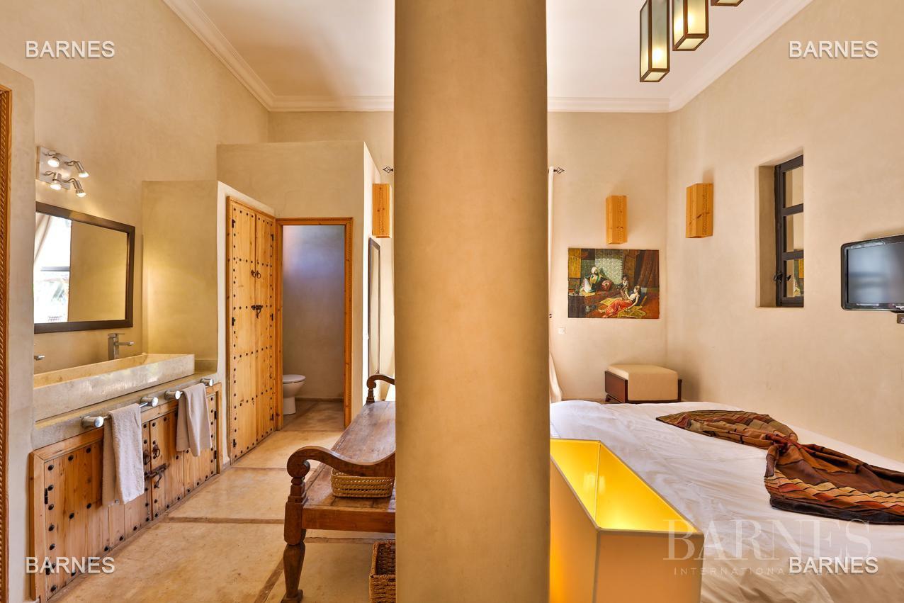 Luxueuse villa contemporaine situé à 15minutes du centre ville en direction de Fès. picture 18