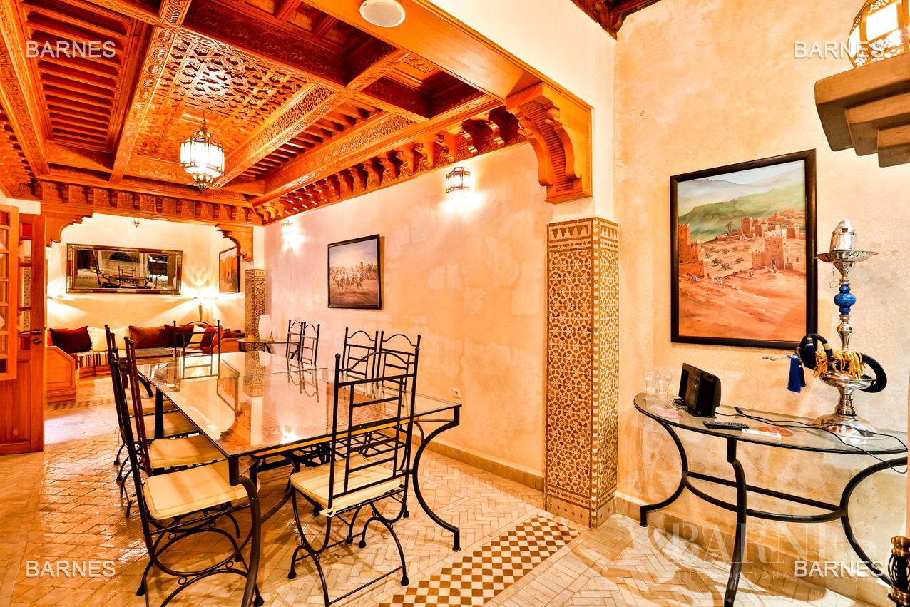 Riad , 6 suites, 6 baths, living room, fireplace , dining room , large pool , jacuzzi , patio, terrace, elevator. picture 3