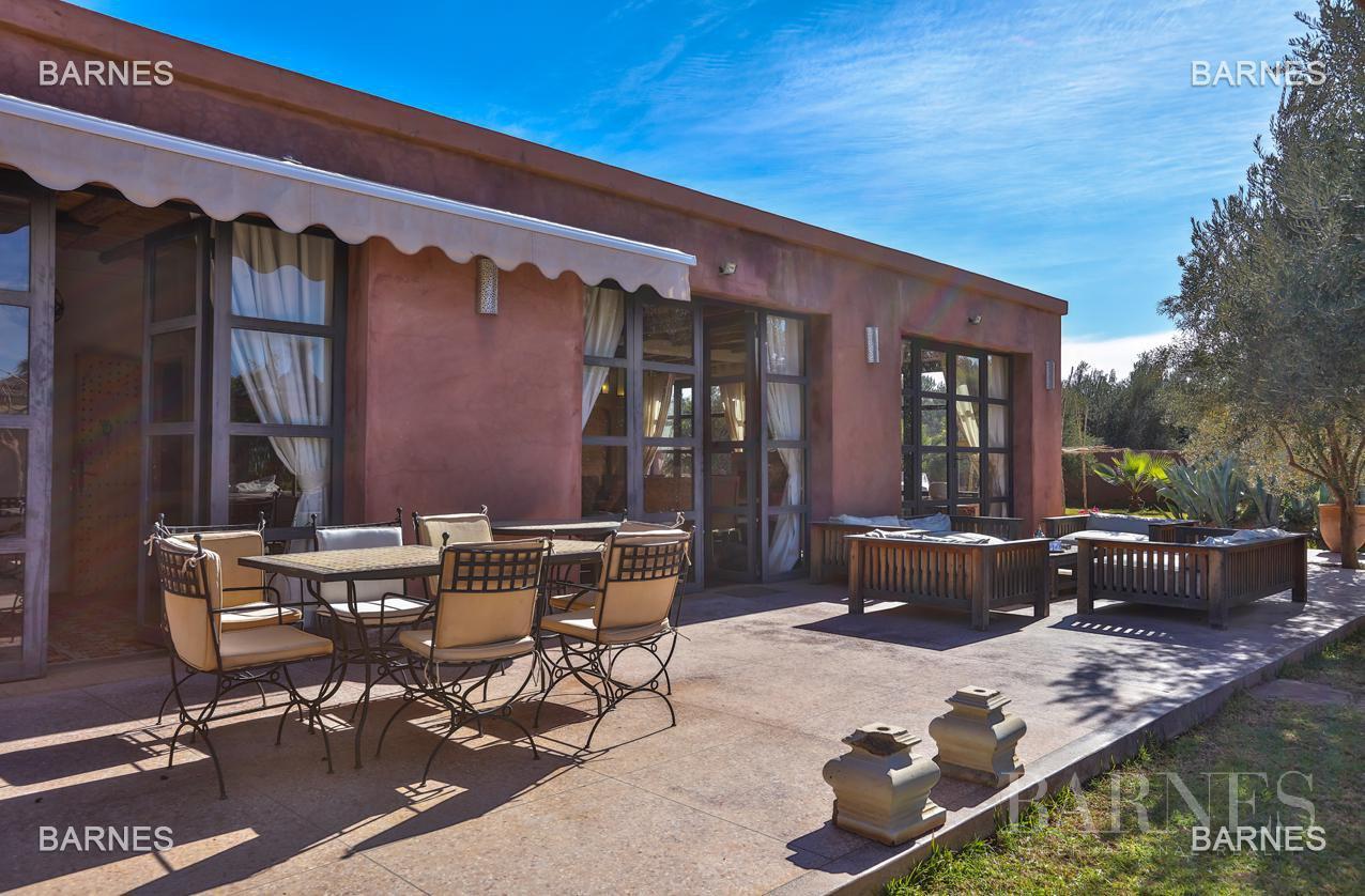 Luxueuse villa contemporaine situé à 15minutes du centre ville en direction de Fès. picture 14