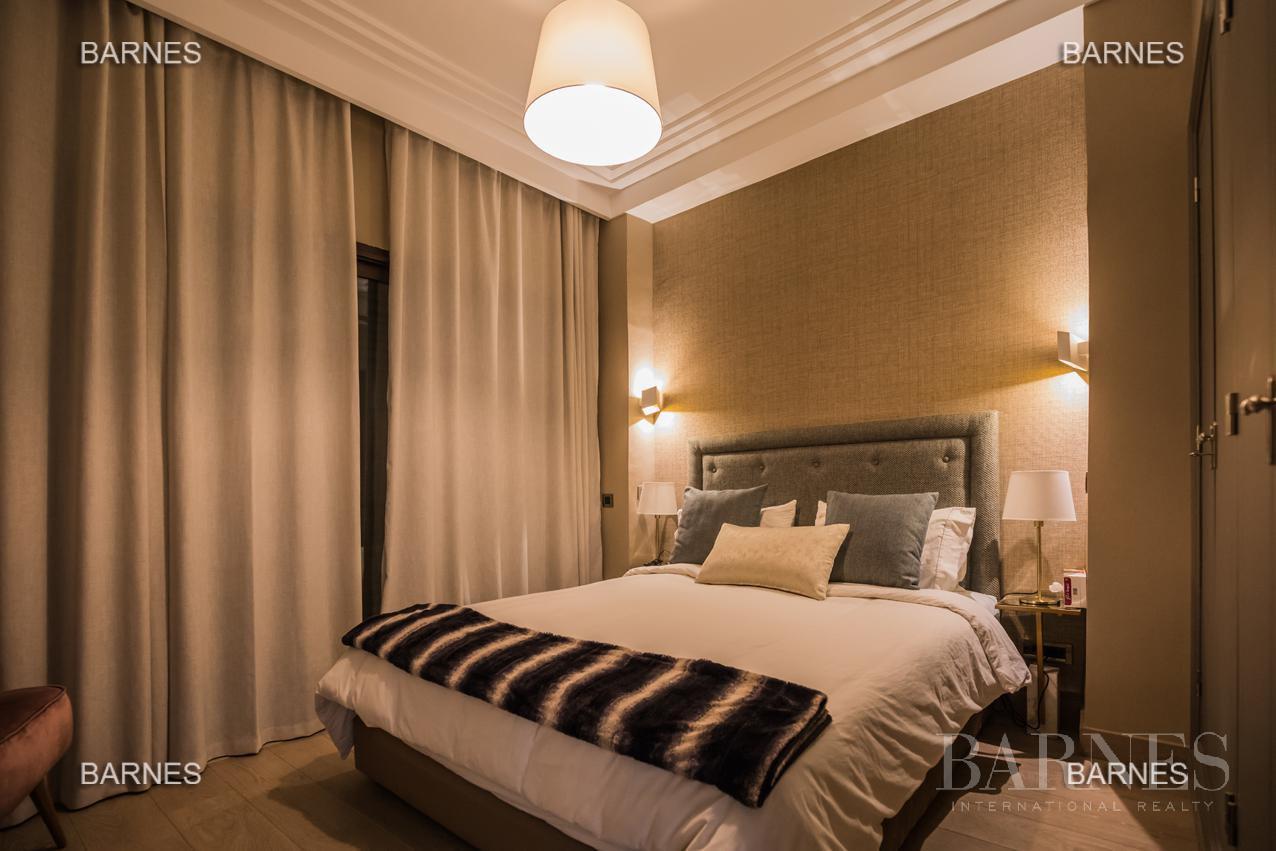 luxury apartment picture 3