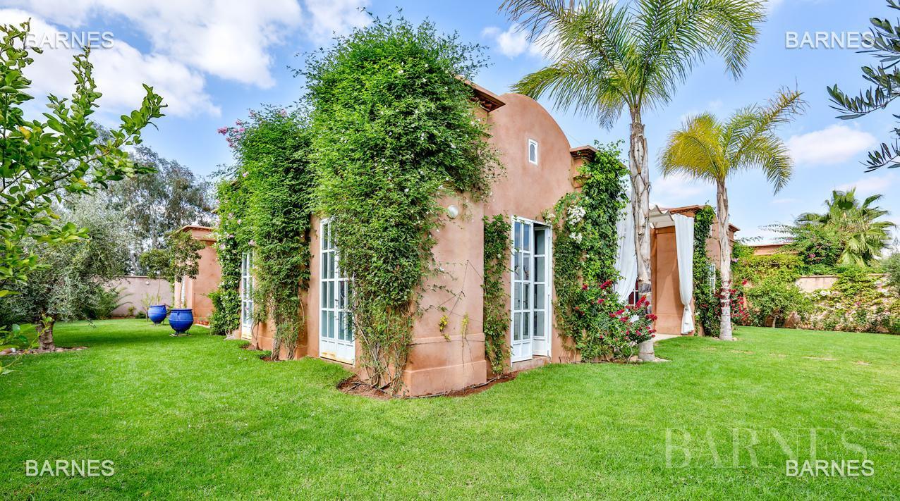 Superbe Villa meublée avec gout signée Charles Boccara dans une résidence sécurisée picture 2