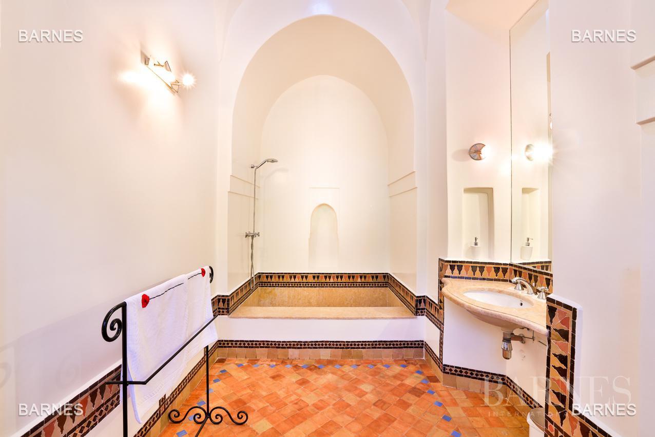Superbe Villa meublée avec gout signée Charles Boccara dans une résidence sécurisée picture 12