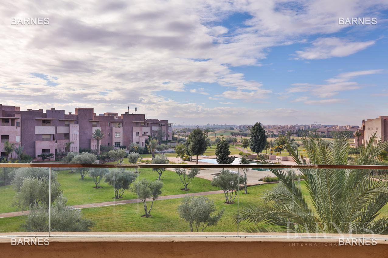 Very beautiful new apartment located in a beautiful golf residence picture 1