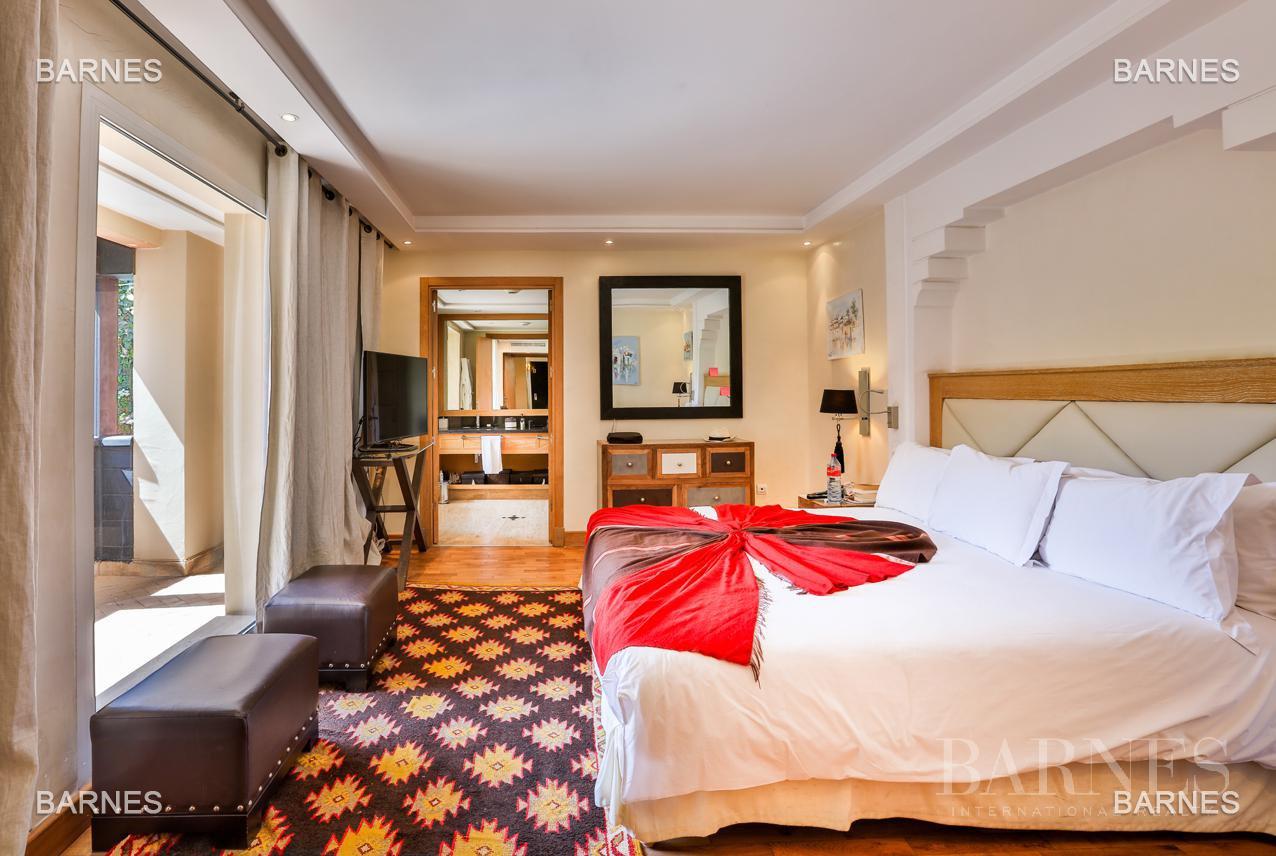 Située entre Medina et Ville nouvelle , superbe villa type Ryad dans un Hotel 5 étoiles . picture 5